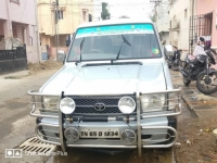 Toyota qualis gs 2001 year